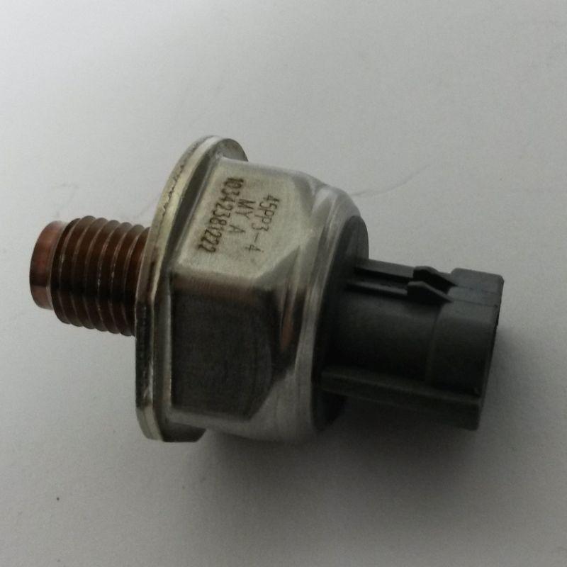 Датчик давления в топливной рампе 45PP3-4 / 13054139323